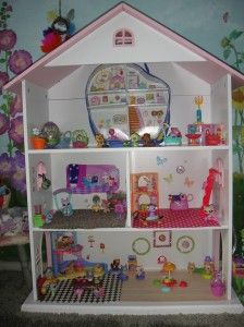 Organizing toys in a kids room
