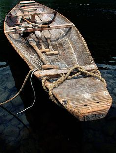 If you enjoy woodworking, there's one project that you've probably always dream't about completing and that would be how to build a fishing boat yourself. Almost everyone wants to build their own boat and sail off into the sunset. Row Row Row, Row Row Your Boat, Old Boats, Small Boats, Float Your Boat, Canoe And Kayak, Wooden Boats, Boat Building, Japanese Culture
