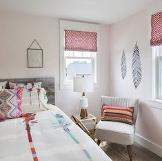 Totally feeling the bohemian chic vibe of this bedroom | Feather Wall Stencils | Wall Decor for Bedroom | #bedroomideas #wallart #painting #DIY