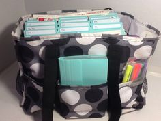 Planning love her couponing organization!love her couponing organization! Couponing For Beginners, Couponing 101, Extreme Couponing, Organizing Utility Tote, Coupon Organization, Organizing Coupons, Organization Ideas, Save My Money, Ways To Save Money