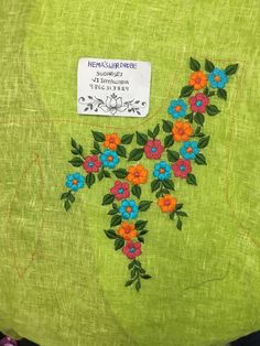 Simple Embroidery Designs, Hand Embroidery Projects, Hand Embroidery Stitches, Crewel Embroidery, Embroidery On Kurtis, Kurti Embroidery Design, Dress Neck Designs, Blouse Designs, Hand Work Design