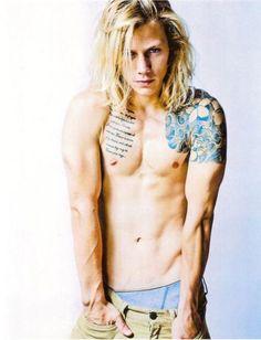 "Hailing from Baltimore, Maryland, American model Michael ""Simba"" Lombardi, looks like a Californian surfer. Looking For People, Attractive Guys, Fine Men, Beautiful Tattoos, Hot Boys, Cute Guys, Male Models, Beautiful Men, Pretty Men"