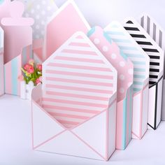 x x Mini envelope type box creative Korean flower bouquet floral hand-folded gift box flower box. Category: Home & Garden. Flower Box Gift, Flower Boxes, Gift Flowers, Flower Packaging, Box Packaging, Gold Wrapping Paper, Envelope Box, Pop Up Box Cards, Gift Wrapping Supplies