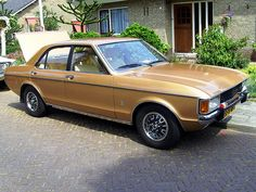 Ford Granada 3 ltr Essex engine went like a rocket same car as the Sweeney your nicked son lol