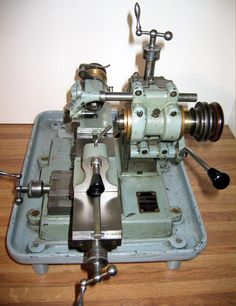 Manufactured during the and the Derbyshire Micromill was an unusual device in being a miniature, very high-precision milling machine designed to handle small jobs made to critical dimensions. Diy Lathe, Lathe Tools, Machine Tools, Cnc Machine, Small Milling Machine, Robot Factory, Lathe Accessories, Machine Design, Derbyshire