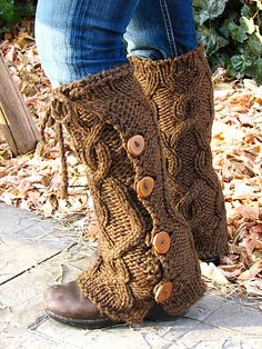 Bulky cabled leg warmers with buttons (free pattern! basically a fancy rectangle!)