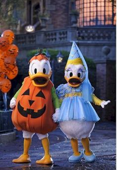 Donald Duck & Daisy dressed up for Halloween.