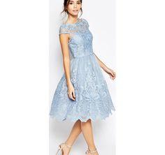 Chi Chi London - Prom dress longuette in pizzo di alta qualità con scollo Bardot - Blu fiordaliso asos blu con zip damigella cerimonia