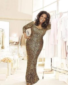 10 Oprah Winfrey's evolving shape and style Shape and Style in 2011 A Year of Glitter and Glamour Oprah Winfrey, African Fashion Dresses, African Dress, Avril Lavigne, Teased Hair, Vestidos Plus Size, Bridesmaid Outfit, Glamour, Queen