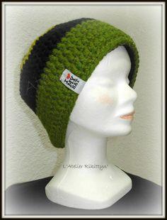 Bonnet et ski au crochet vert et et noir  de L'Atelier Rikittyn'  sur DaWanda.com