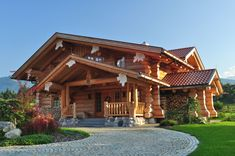 Small Log Cabin, Log Cabin Homes, Cabins In The Woods, House In The Woods, Monster House, Luxury Cabin, Timber House, Cabin Design, Types Of Houses