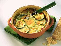 Gratin de courgettes et saumon fumé Weight Watchers, recette d'un gratin léger et délicieux, facile et simple à réaliser chez vous.