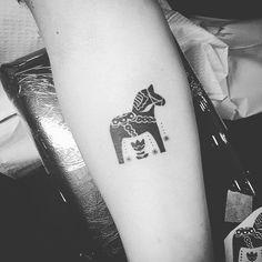 Dala horse tattoo #scandinaviantattoo #dalahorsetattoo #sistertattoo