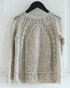 Ravelry is a community site, an organizational tool, and a yarn & pattern database for knitters and crocheters. Mode Crochet, Knit Crochet, Lace Knitting, Vogue Knitting, Knitting Designs, Knitting Projects, Diy Pullover, Pullover Sweaters, Cardigans