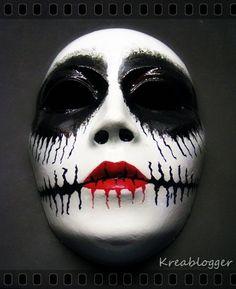 Tim Burton carnival mask made with acryllic paint Holidays Halloween, Halloween Make Up, Halloween Costumes, Free Watercolor Font, Masquerade Mask Makeup, Fantasy Make Up, Vampire Teeth, Tim Burton, Unique Makeup