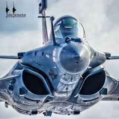 """2,163 Likes, 11 Comments - Philippe Tondeur (@philippetondeur) on Instagram: """"French Air Force Dassault Rafale Demo Team by @kedarsclix #airbus #usairforce…"""""""