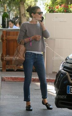 Charlotte Casiraghi – Charlotte Casiraghi – # Hosen The post Charlotte Casiraghi – appeared first on Frisuren Tips - Casual Outfit Casual Work Outfits, Mode Outfits, Work Casual, Casual Chic, Casual Looks, Fall Outfits, White Outfits, Fashion Mode, Fashion Over 50