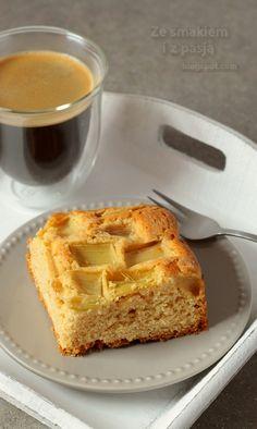 ciasto z rabarbarem, ciasto sezonowe, ciasto z ksylitolem, ciasto bez cukru, szybkie ciasto z rabarbarem