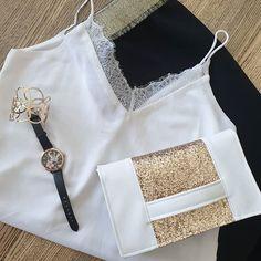 Amandine sur Instagram: Petite pochette élégante simili blanc et paillettes @patrons_sacotin #sacpochette #cachotin #coutureaddict #couturedebutant…