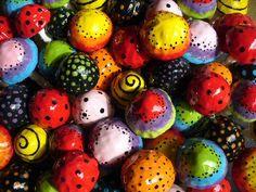 Risultato della Ricerca IMMAGINI di Google per http://www.fiorenchantment.com.au/assets/images/ceramic_clay_faerie_fairy_mushrooms_Home.jpg