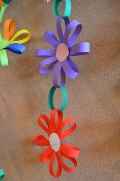 Spring Crafts For Kids With Construction Paper Kids Crafts, Summer Crafts, Toddler Crafts, Preschool Crafts, Easter Crafts, Craft Projects, Diy And Crafts, Arts And Crafts, Flower Craft Preschool