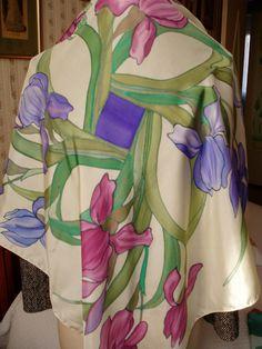 """Foulard , écharpe en soie""""Bouquets d'iris"""" rose violet ,jaune Peinte à la main : Echarpe, foulard, cravate par toutensoie"""