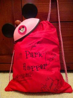Disney Thirty-One embroidery idea - who needs an autograph book? Have them sign your Cinch Sak!