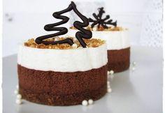 Karácsonyi mousse torta | NOSALTY – receptek képekkel Christmas Minis, Mini Cakes, Mousse, Minion, Grapefruit, Tiramisu, Cookies, Chocolate, Ethnic Recipes
