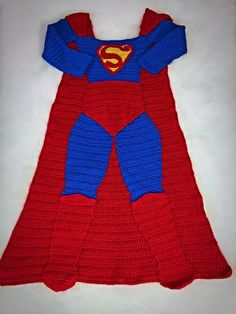 ******Pattern Only***** Not Physical Item***** Batman AND Superman Crochet Blanket Patterns. PDF file available immediately after purchase! Four Sizes included: This is the length of the blanket from shoulder/chest to floor, not height of blanket wearer. Small Child- 30 inches