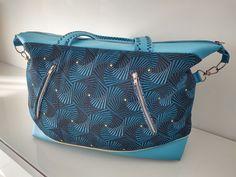 Sac Java en simili bleu et jacquard géométrique cousu par Linoa - Patron Sacôtin