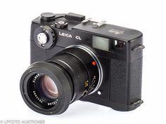 Leica CL No.1310262 Leitz Wetzlar/Japan, 1973-74, Svarteloxerad, med Leitz Elmar-C 4/90mm No.2643069 (B-, minor hazy