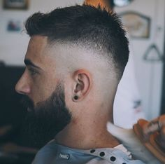 Best Skin Fade Haircuts for Men [Trendy] - Fadehairuct. Mens Haircuts Quiff, Mens Hairstyles With Beard, Slick Hairstyles, Hairstyles Haircuts, Haircuts For Men, Short Fade Haircut, Short Hair Cuts, Short Hair Styles, Beard Haircut