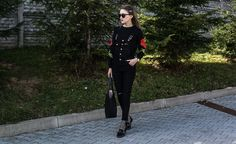 embroidered, style, street style, street fashion, ootd, look, style, inspiration, bloger, fashionist, stylist, black look, shopper bag, gardeners, jeans, black jeans
