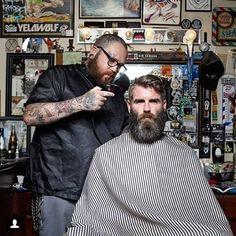 twocommagregory:  Another rad shot of @the_barberxxx doing his thing!  #beard #barber #proper #LA #beardaddict #beardlife #beardsandtats #gentleman