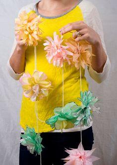 Confetti Sunshine: DIY : tissue flower garland