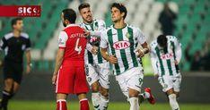O Vitória de Setúbal venceu esta sexta-feira o Sporting de Braga por 2-1, num jogo da segunda jornada do grupo A da Taça da Liga. A vitória dos sadinos afastou por completo o Benfica da Taça da Liga. http://sicnoticias.sapo.pt/desporto/2017-12-22-Vitoria-de-Setubal-vence-e-afasta-o-Benfica-da-Taca-da-Liga-1
