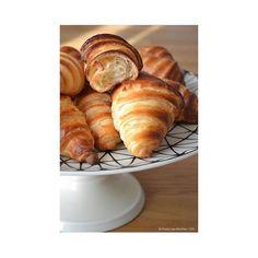 C'est Dimanche, c'est Croissant pour tout le monde - Passez une belle journée où que vous soyez 🐌☕️🍩☕️ #maisongaja #hello #lhumeurdelooky #bags #bag #frenchtouch #breakfast #croissants #bakery #dimanche #sunday #timeless #enjoy