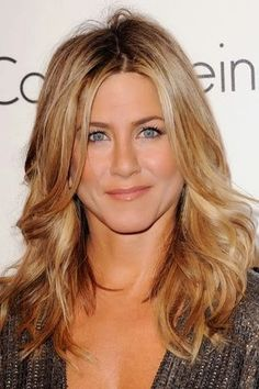 can't believe I am pinning a Jen Aniston hair cut, but it actually is what I have been trying to describe to my hairdresser... must show her