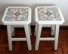 banquinhos-madeira-em-mosaico-de-azulejo-banquinhos
