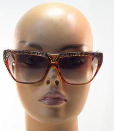 8d8c49b8e72 Vintage 80 s Laura Biagiotti Tortoise Mother of Pearl Look Sunglasses     LAURABIAGIOTTI Laura Biagiotti