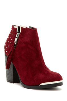 MTNG Studded Booties//