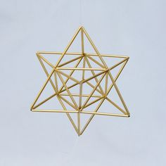 Small EGG OF LIFE, Merkaba, Tetrahedron Star of David 3 D Himmeli Hanging Brass Home Decor, perfect also as wedding decor.Star of David is its form, interesting that all 24 letters of Ancient language of Hebrew dra. Toothpick Sculpture, Straw Sculpture, Straw Crafts, Diy Straw, Geometric Designs, Geometric Shapes, Egg Of Life, Geometric Origami, Diy Galaxy