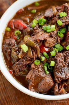 Slow Cooked Spicy Asian Beef - skip ordering take out with this amazingly tasty set it and forget it slow cooker meal. #slimmingworld #weightwatchers #beef #slowcooker #InstantPot #glutenfree #dairyfree #paleo Slow Cooker Mongolian Beef Recipe, Slow Cooker Roast, Slow Cooker Recipes, Crockpot Recipes, Chicken Recipes, Slimming World Beef Recipes, World Recipes, Spicy Asian Beef, Asian Recipes