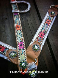 Love this colorful floral tack set by The Cowboy Junkie