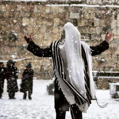 Snowing in Jerusalem February 20th 2015 at the Kotel