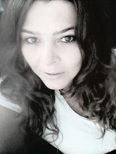 Bırak essin dudaklarımı yakan ıslaklığı özlemlerin, yanıp tutuşan hayalin ve bir hiçlikten başka nedir ki benim bedenim. Füruğ FERRUHZAD