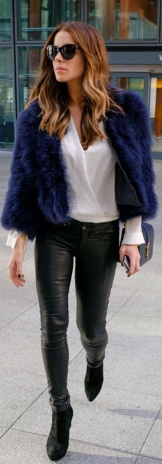 Kate Beckinsale inPurse – Saint Laurent  Sunglasse s- Olivier Goldsmith  Pants – J Brand  Shoes – Prada
