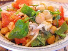 Pikáns csicseriborsós-saláta Low Carb, Ethnic Recipes, Food, Salads, Essen, Meals, Yemek, Eten