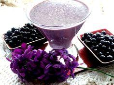 Banana-blueberry smoothie. Recipe: http://wonderdump.com/banana-blueberry-smoothie/