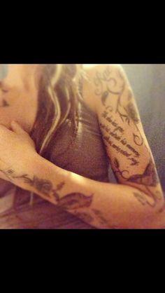 #tattoos #tattooedlady #blackroses #rosetattooes #birdtattoos